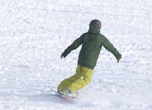 Ludzie jazda na snowboardzie na śniegu Obraz Stock