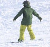 Ludzie jazda na snowboardzie na śniegu Zdjęcie Royalty Free