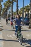 Ludzie jeździć na rowerze Zdjęcie Royalty Free