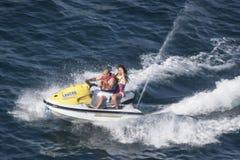 Ludzie jedzie Dżetową nartę w Acapulco Zdjęcia Stock