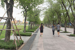 Ludzie jogging na ścieżka sposobie Zdjęcia Royalty Free