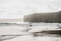 Ludzie kipieli Aktywny i krańcowy sport surfować obrazy royalty free