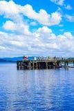 Ludzie ma zabawę na słonecznym dniu przy Luss molem, Loch Lomond, Argylle i bute, Szkocja, 21 Lipiec, 2016 Obrazy Stock