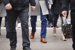 ludzie miasta chodzić Miastowy nastrojowy godzinę szybciej Fotografia Stock