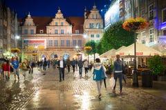 Ludzie na Długim pasie ruchu stary miasteczko w Gdańskim Fotografia Stock