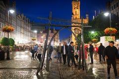 Ludzie na Długim pasie ruchu stary miasteczko w Gdańskim Obrazy Royalty Free