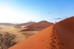 Ludzie na Namib pustyni diunach, podróż w Afryka Fotografia Royalty Free