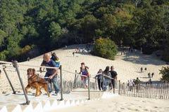 Ludzie na schodkach, diuna Pyla Fotografia Royalty Free