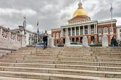 Ludzie na schodkach przy stan biblioteką Massachusetts Boston MA Zdjęcie Stock