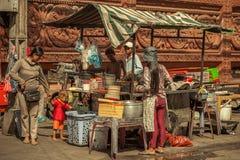 Ludzie na ulicie kraj azjatycki - Wietnam i Kambodża Zdjęcia Stock