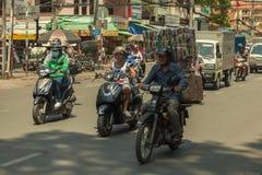 Ludzie na ulicie kraj azjatycki - Wietnam i Kambodża Zdjęcie Stock