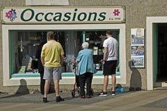 Ludzie na ulicie w Eyemouth w Berwickshire w Szkocja, UK 07 08 2016 Obraz Royalty Free