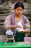 Ludzie na ulicie w Mandalay, Myanmar Obrazy Royalty Free