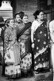 Ludzie Nepal, Nepalskie kobiety z ich tradycyjnym ubiorem zdjęcie stock