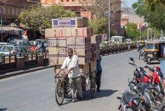 Ludzie Odtransportowywa towary w Jaipur Obrazy Stock