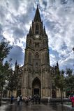 Ludzie odwiedza Dobrą Pasterską katedrę San Sebastian Zdjęcia Royalty Free
