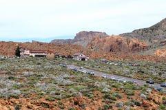 Ludzie odwiedza kamienną Formację Roques De Garcia Fotografia Royalty Free