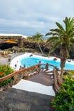 Ludzie odwiedza powulkaniczną jamę w Jameos Del Agua, Lanzarote, wyspy kanaryjska, Hiszpania Obraz Stock