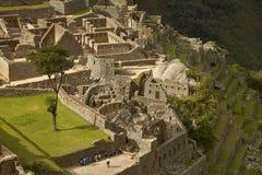 Ludzie Odwiedza Przegranego Incan miasto Mach Picchu blisko Cusco w Peru Obrazy Stock