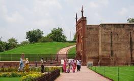 Ludzie odwiedzają fort w New Delhi, India Obrazy Stock