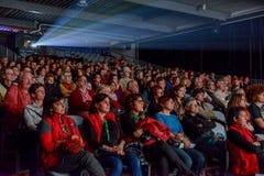 Ludzie ogląda film przy kinem Bellinzona zdjęcia stock