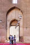 Ludzie ogląda islamską architekturę Obraz Royalty Free
