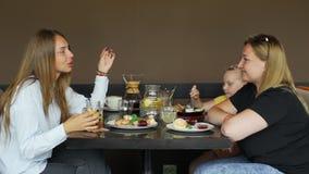 Ludzie Opowiada podczas lunchu zbiory