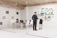 Ludzie opowiada w sala konferencyjnej z szklanymi ścianami i biznesem ilustracji