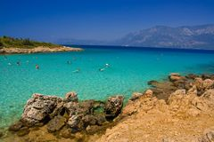 Ludzie pływa w turkusowym morzu Obrazy Royalty Free