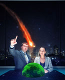 Ludzie patrzeje meteoryt Fotografia Stock