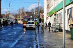 Ludzie patrzeje wypadku samochodowego swanage Dorset obraz royalty free
