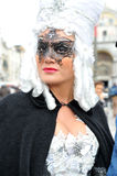 Ludzie pozuje w luksusowym kostiumu przy Wenecja, Włochy 2015 Obrazy Stock