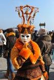 Ludzie pozuje w luksusowym kostiumu przy Wenecja, Włochy 2015 Obraz Royalty Free