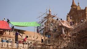 Ludzie pracuje budować świątynię zdjęcie wideo