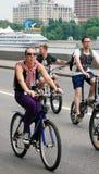 Ludzie przejażdżka rowerów Obrazy Stock