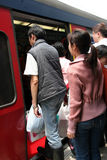 ludzie przeszukują pociągów Obraz Royalty Free