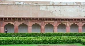 Ludzie przy Agra fortem w India Obrazy Stock
