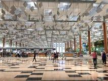 Ludzie przy Changi lotniskiem w Singapur Zdjęcie Stock
