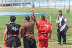 Ludzie przy jawnym wydarzeniem wykonują aba guresi Kuroshio, mocować się (/) Fotografia Royalty Free