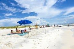 Ludzie przy plażą w Niceville Obrazy Stock
