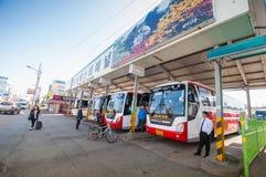 Ludzie przy Sokcho przystankiem autobusowym Zdjęcia Royalty Free