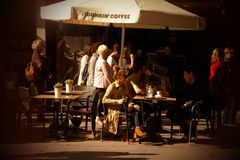 Ludzie przy zakazują taras w Seville 69 obraz royalty free