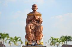 Ludzie przychodzą Wat larwy świątynia dla modlą się Somdej Toh Fotografia Royalty Free