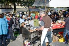 Ludzie przygotowywa jedzenie przy jesień festiwalem przy Engelberg Obraz Stock