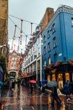 Ludzie robi zakupy w Carnaby ulicie Obrazy Royalty Free