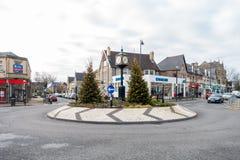 Ludzie Robi zakupy w Penarth miasteczku Obraz Stock