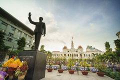 Ludzie s Komitetowego budynku w Saigon, Wietnam Fotografia Royalty Free