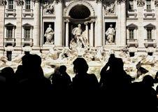 Ludzie strzela cudowną trevi fontannę w Rzym Obraz Stock