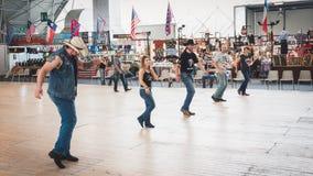 Ludzie tanczy przy Kołysać Parkowego wydarzenie w Mediolan, Włochy Fotografia Royalty Free
