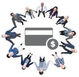 Ludzie Trzyma ręki i Kredytowej karty symbol fotografia stock